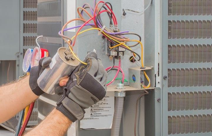 Condensation capacitor
